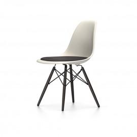 Chaise Eames DSW - rembourrage de l'assise pieds érable noir Vitra