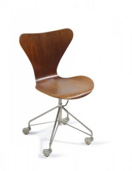 chaise fritz hansen la serie 7 sur roulettes fr ne. Black Bedroom Furniture Sets. Home Design Ideas