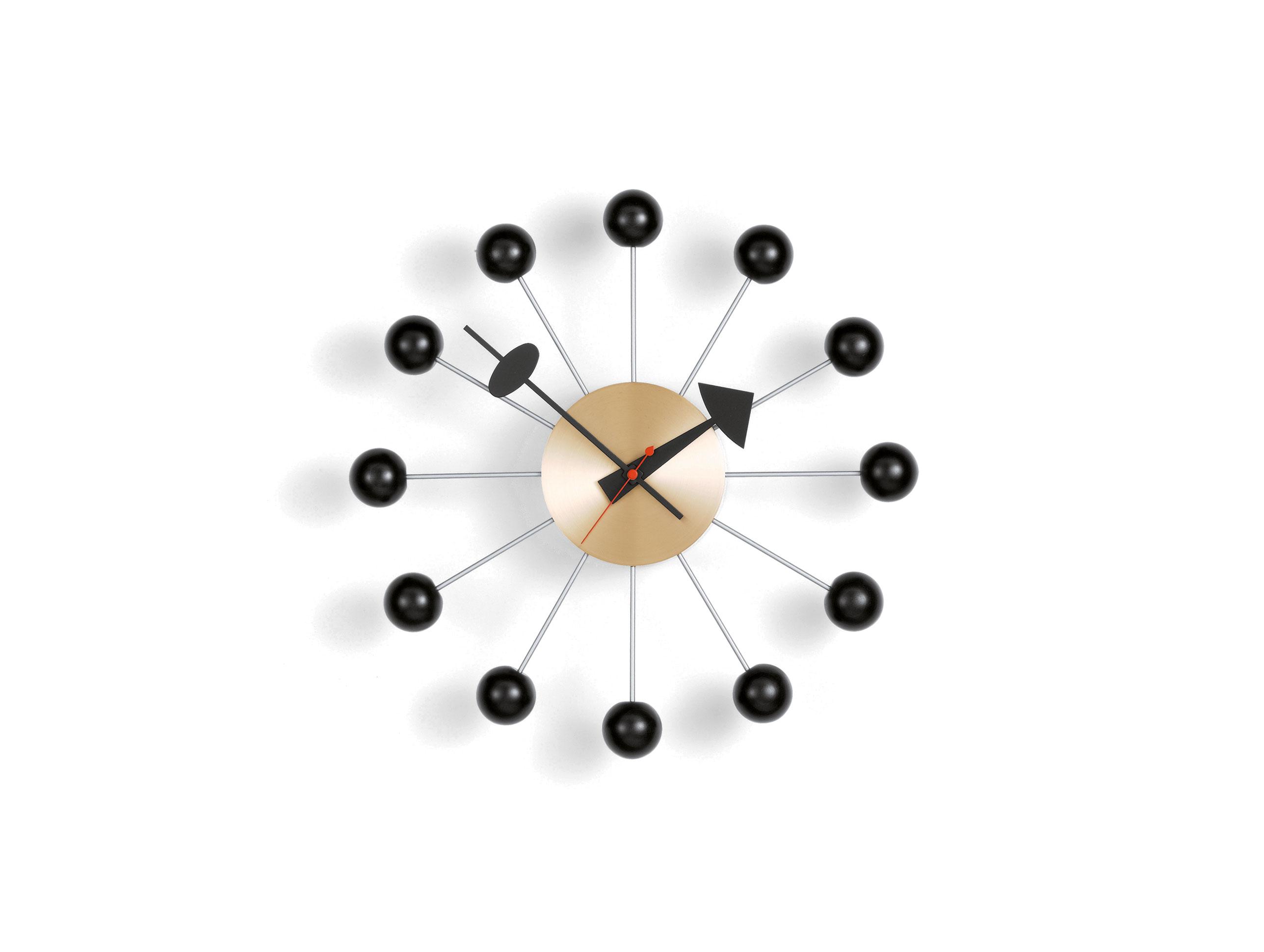 Horloge vitra ball wall clocks noir laiton for Horloge eames