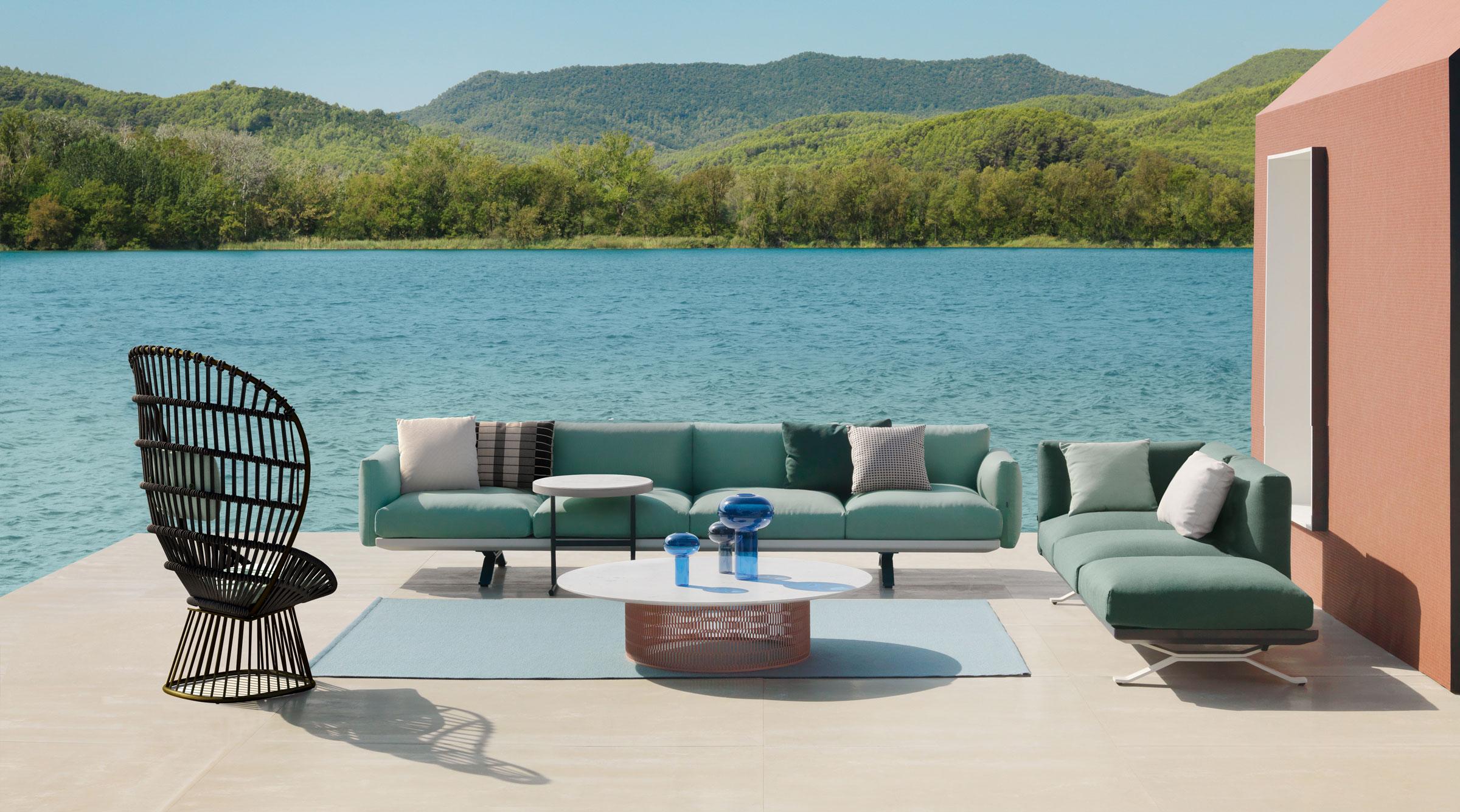 La collection Boma, conçue par Rodolfo Dordoni, répond aux exigences des environnements extérieurs.